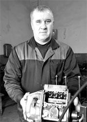 Слесарь топливной аппаратуры Василий Федоряка