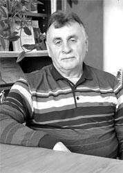 Заведующий гаражом Иван Денисенко