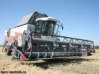 сельхозтехника на уборке урожая